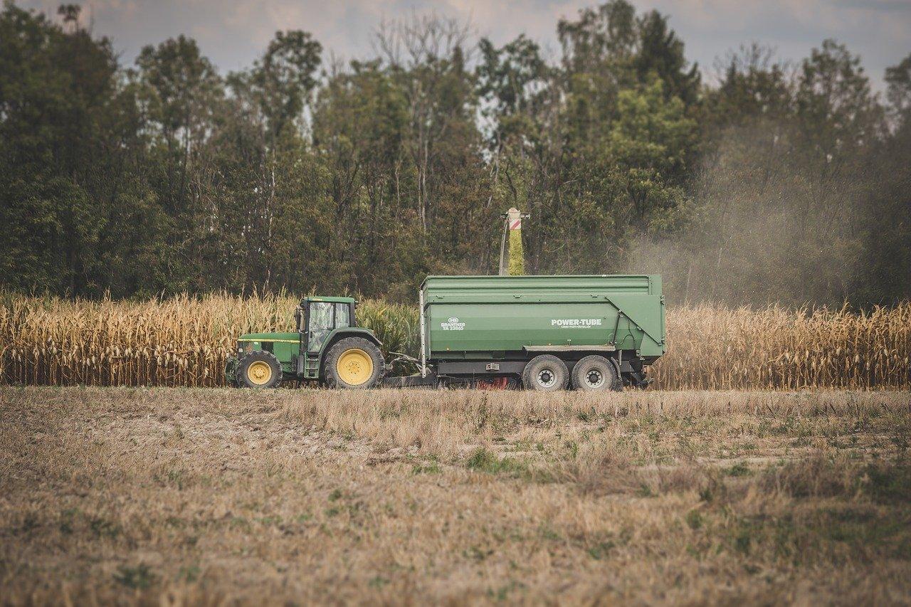 location de remorques agricoles pour les moissons